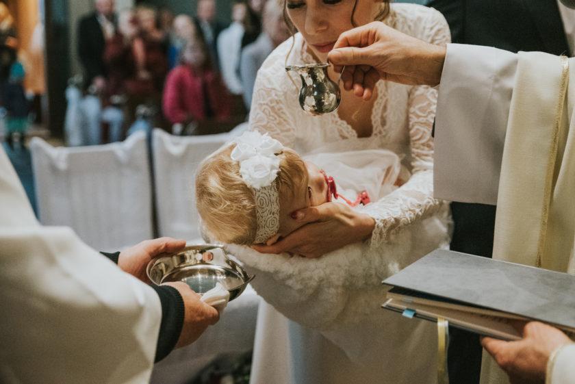 Zdjęcia okolicznościowe – fotografia ślubna, chrzciny